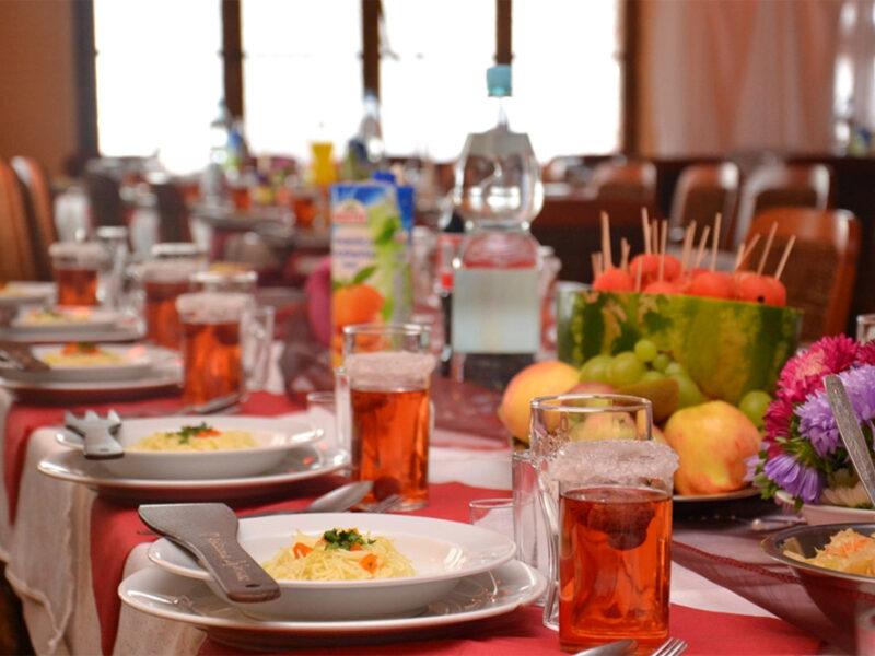 """Schronisko """"Orzeł"""" oferuje również dla swoich gości smaczne obiady"""